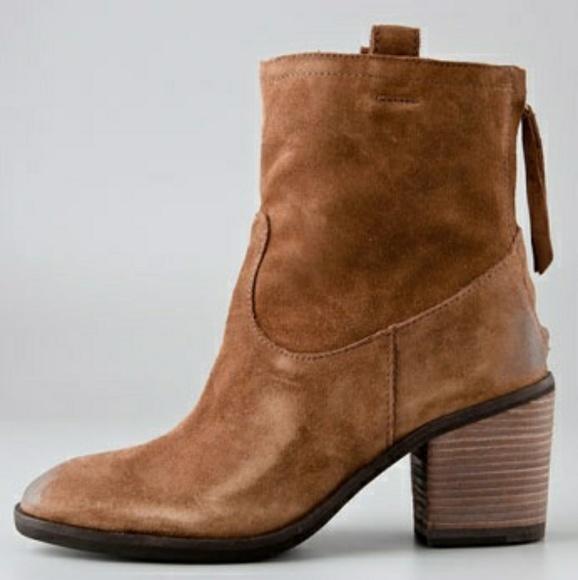 b9a8a13ec4cf Sam Edelman Farrell Suede Ankle Boots. M 5be72516fe5151fa21fff5de
